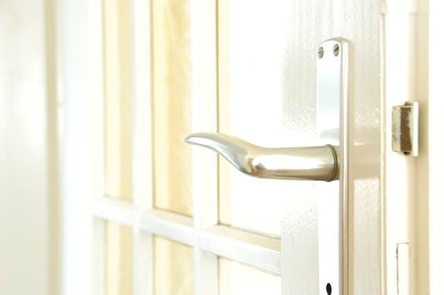 cerradura puerta interior